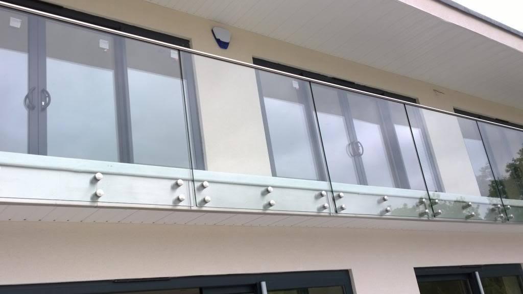 Safety Frameless Tempered Glass Stainless Steel Railing Balustrade Standoff