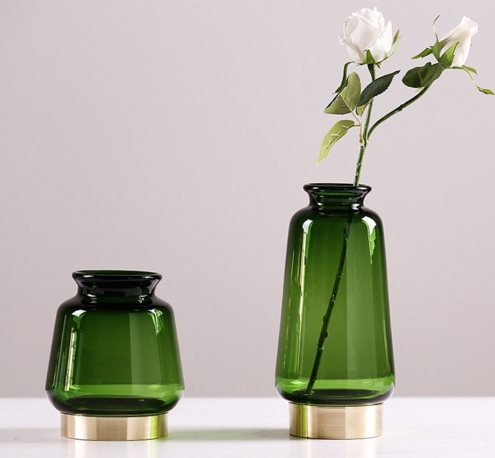 Glass Flowerpot with Golden Pedestal (green)