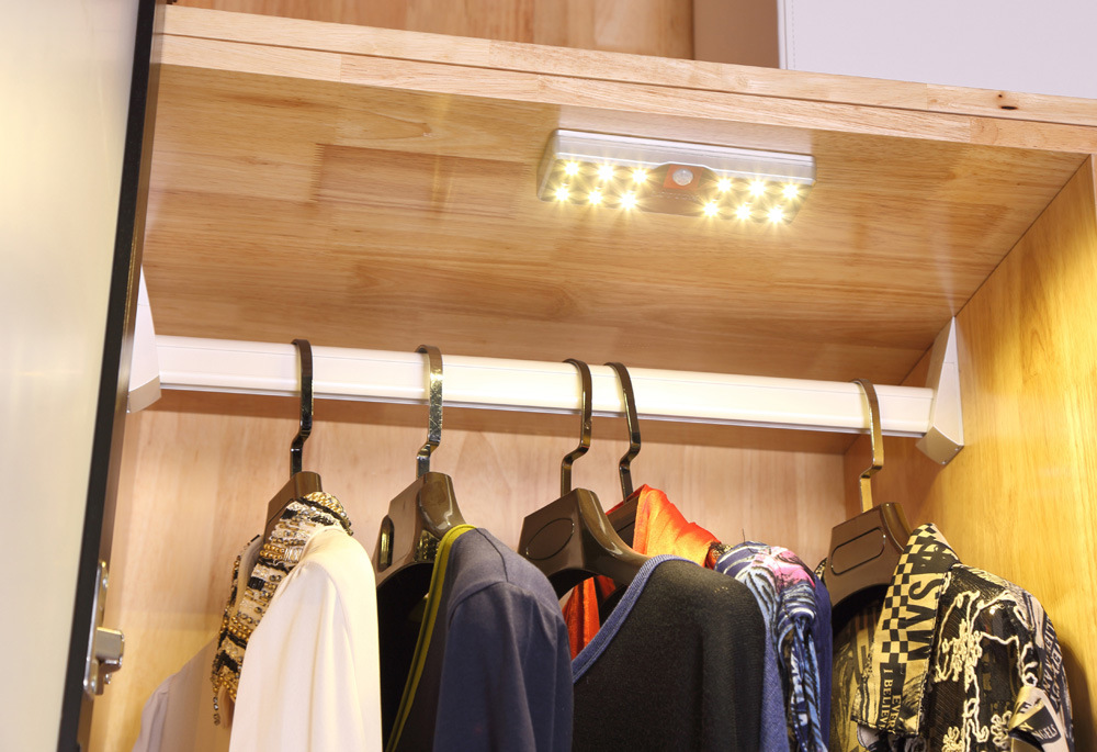 Sensor Magnetic Base LED Wardrobe or Kitchen Cabinet Light with Lithium Battery