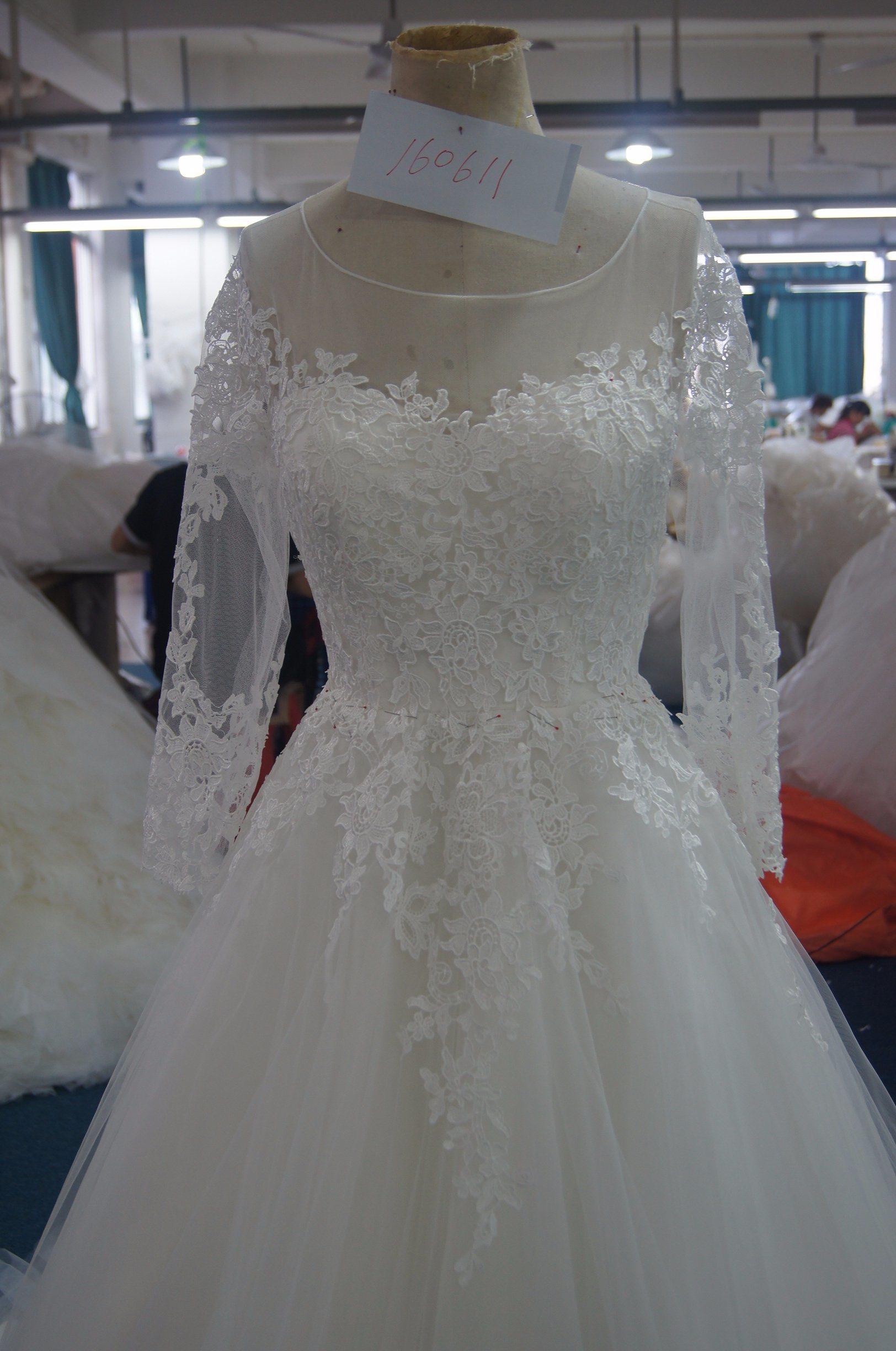 New Arrival Long Sleeves Bridal Wedding Dress