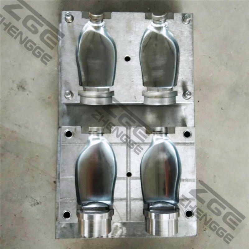 Pet Mineral Water Bottle Blow Mold / Plastic Bottle Blowing Mould