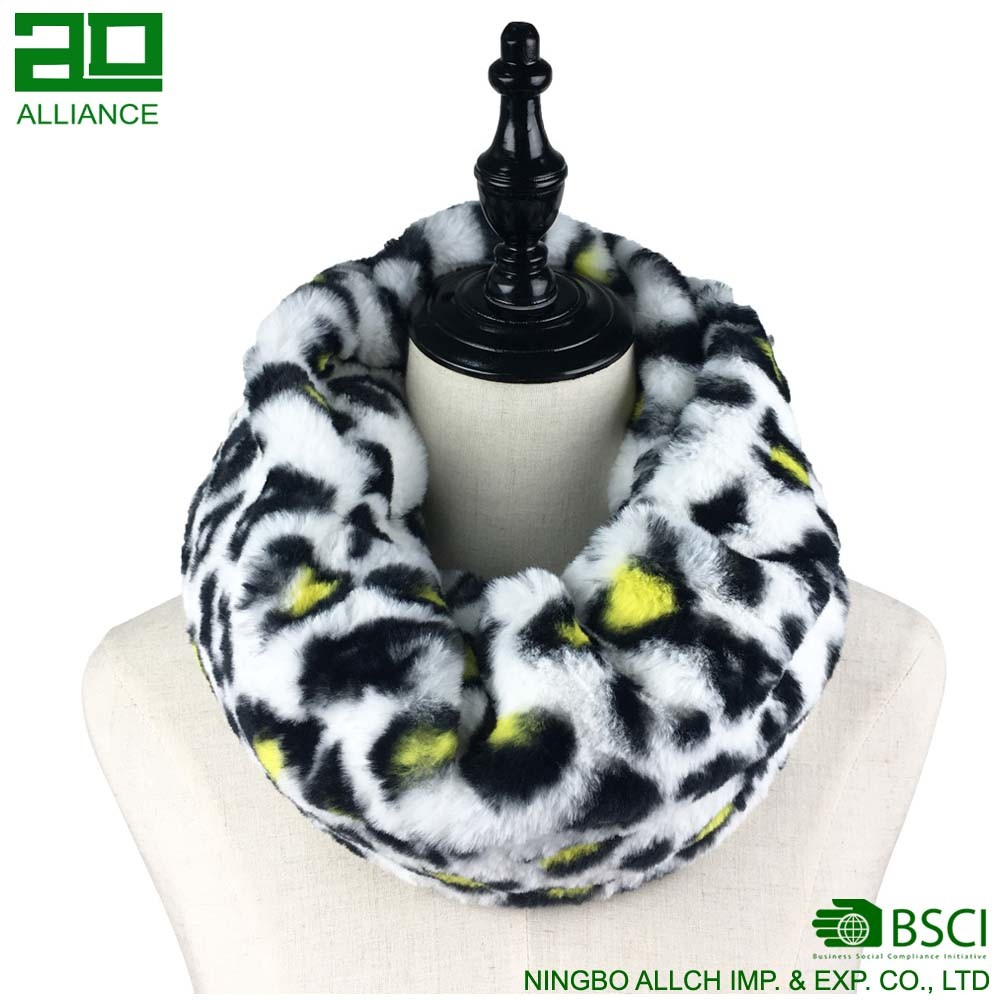 Winter Fashion Faux Fur Snood Scarf