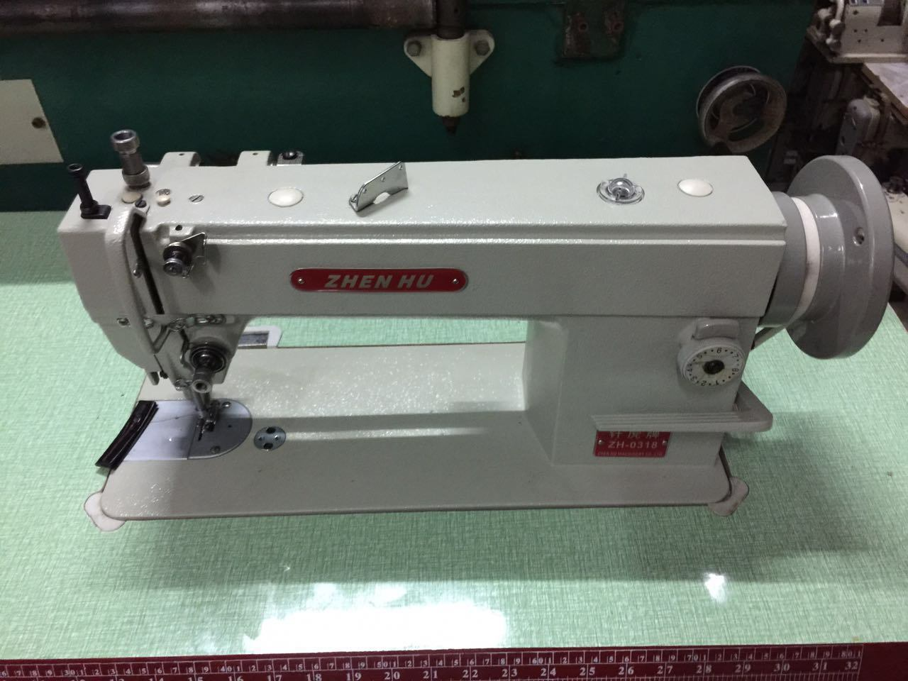Flat Bed Thick Materials Walking Foot Sewing Machine (ZH-0318)