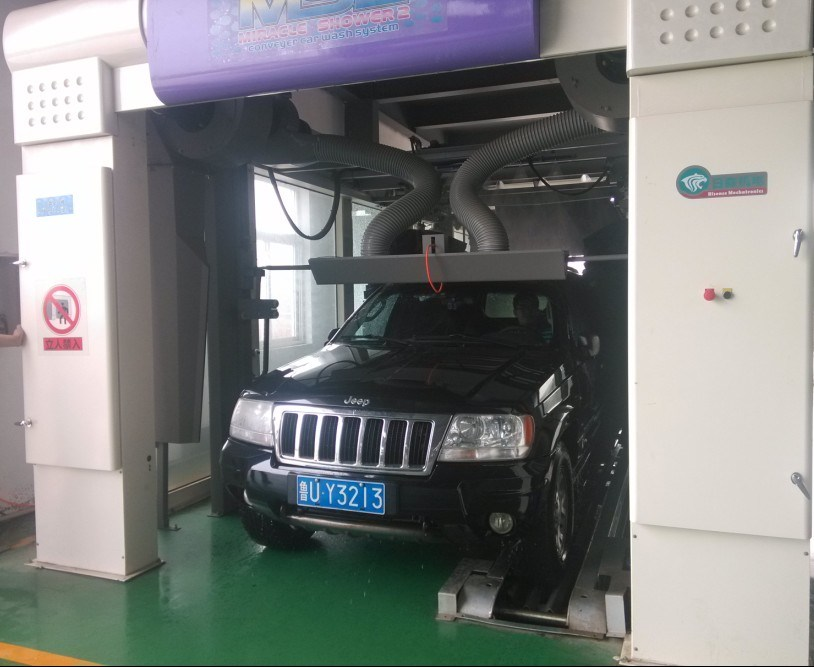 Best-Selling Tunnel Car Washer with IP67 Water-Proof Motor and 5.5kw Drying Motor.
