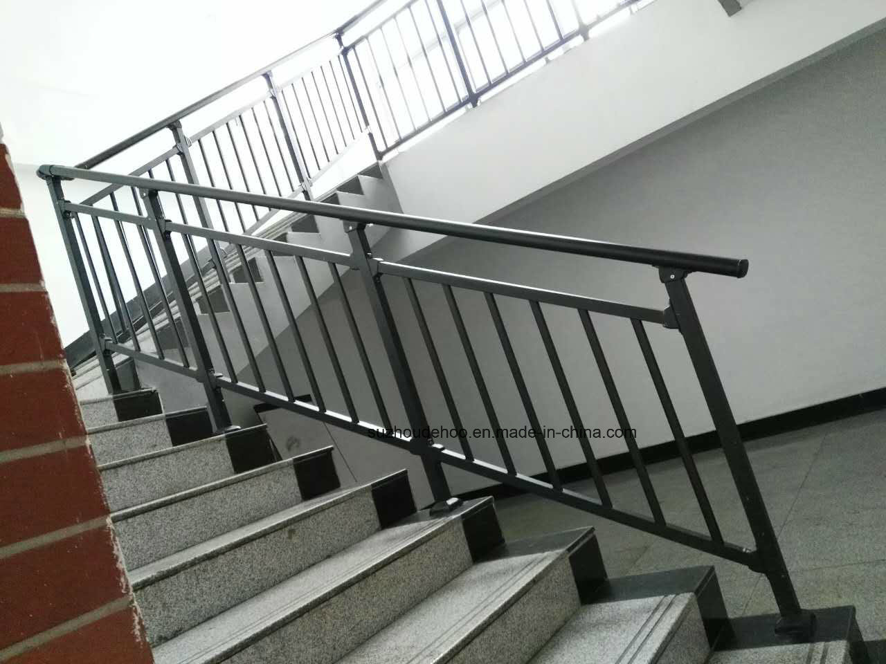 Akzo Nobel Powder Coated Custom Decorative Stair Handrail