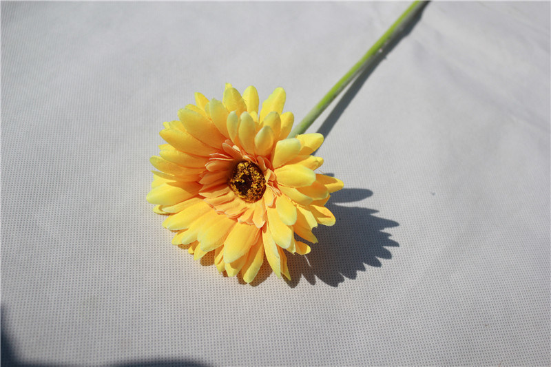 Real Touch Single Stem Daisy Artificial Flowers for Decoration