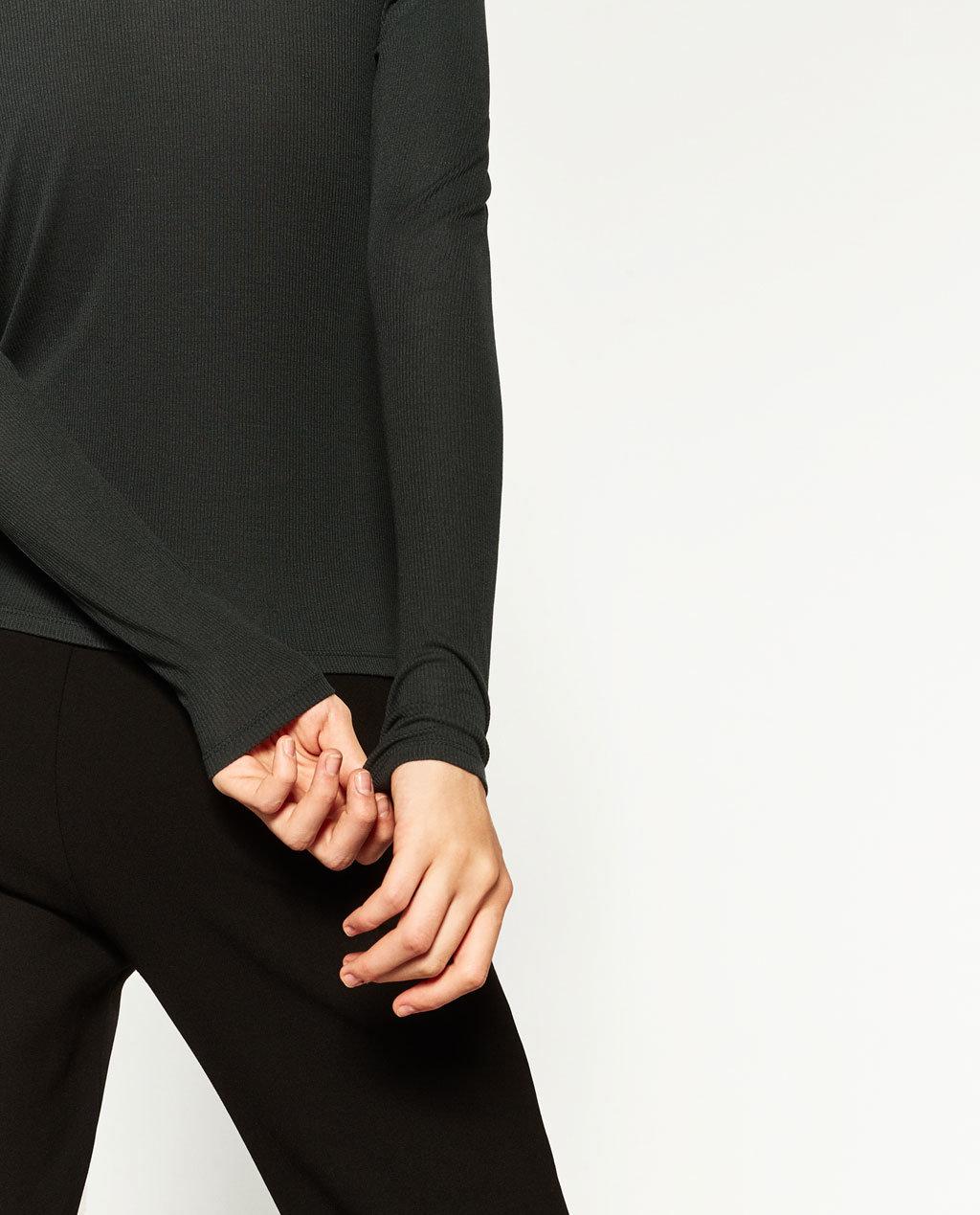 Fashioned Women V-Neck T-Shirts