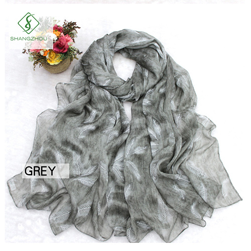 2017 New Dyed Shawl Printed with Feather Fashion Lady Silk Scarf