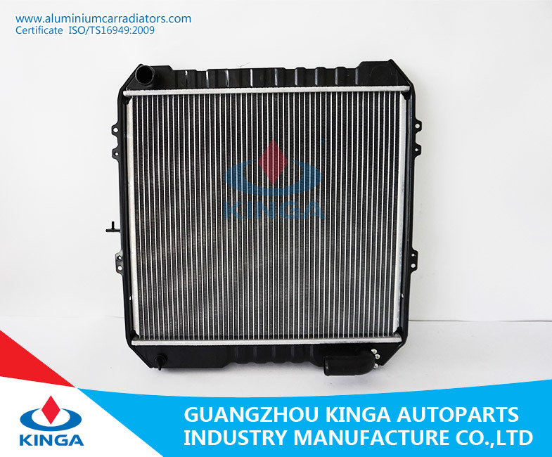 Aluminum Auto Radiator for Toyota Hilux Vehicle Year 88-93