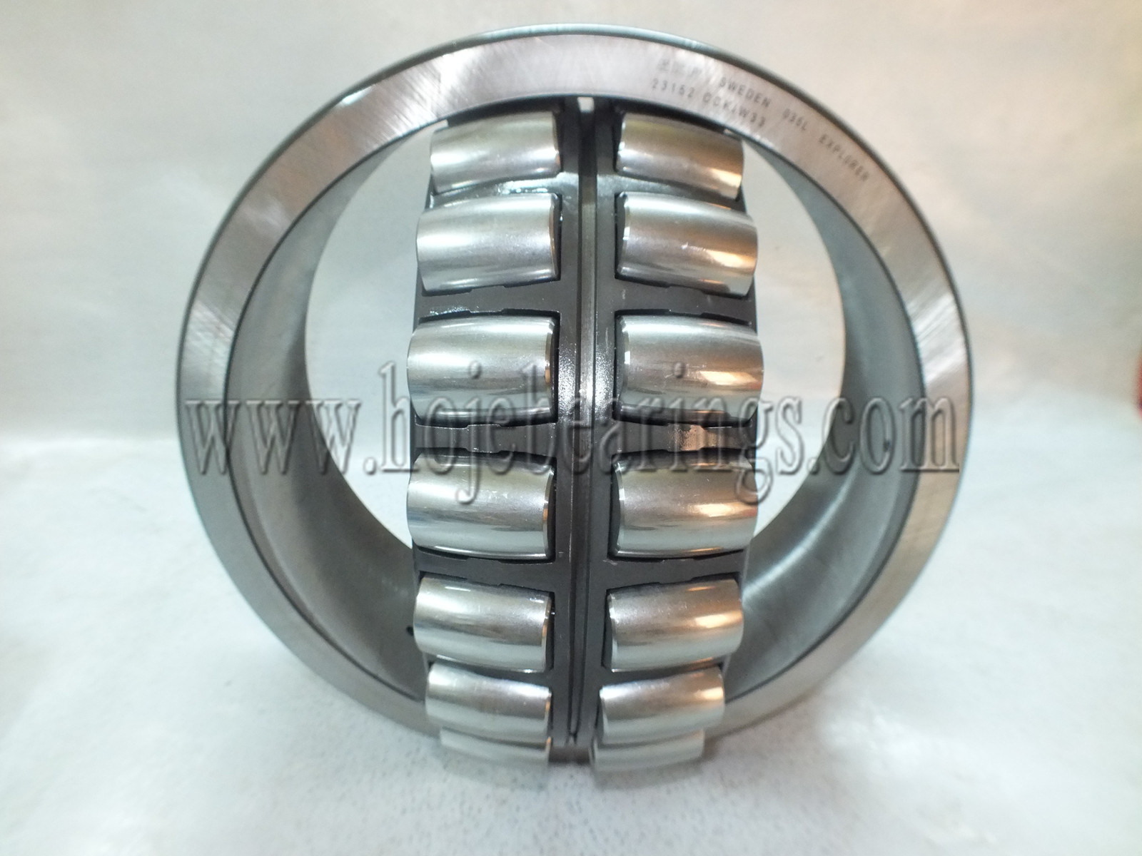 Professional OEM and Hoje Brand Spherical Roller Bearing 240/710 241/710