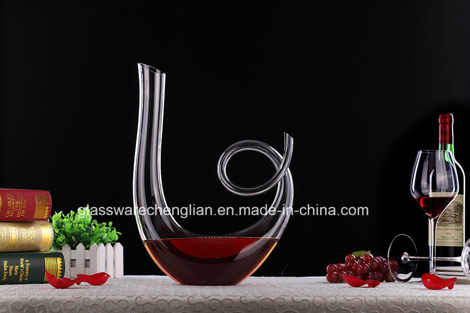 Hand Made Lead Free Unique Design of U Shape Wine Glass Decanter (XJQ-019)