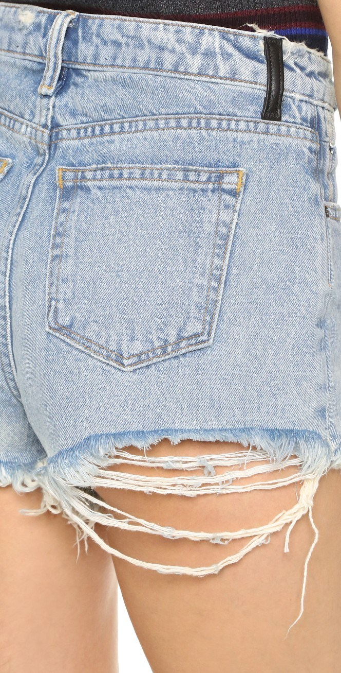 Hot Sale Fashion Blue Skinny Frayed Distressed Mini Pants Ladies/Women Denim Shorts by Jeans Manufacturer (Shorts E. P. 222)