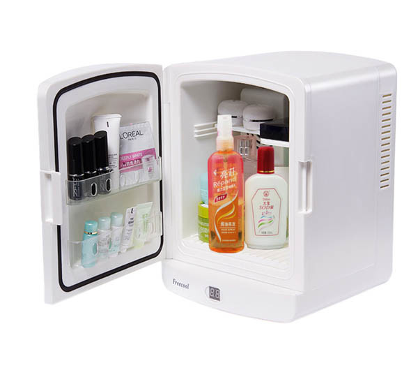 Thermoelectric Mini Fridge 5 Liter, AC100-240V for Cosmetic Storage Use