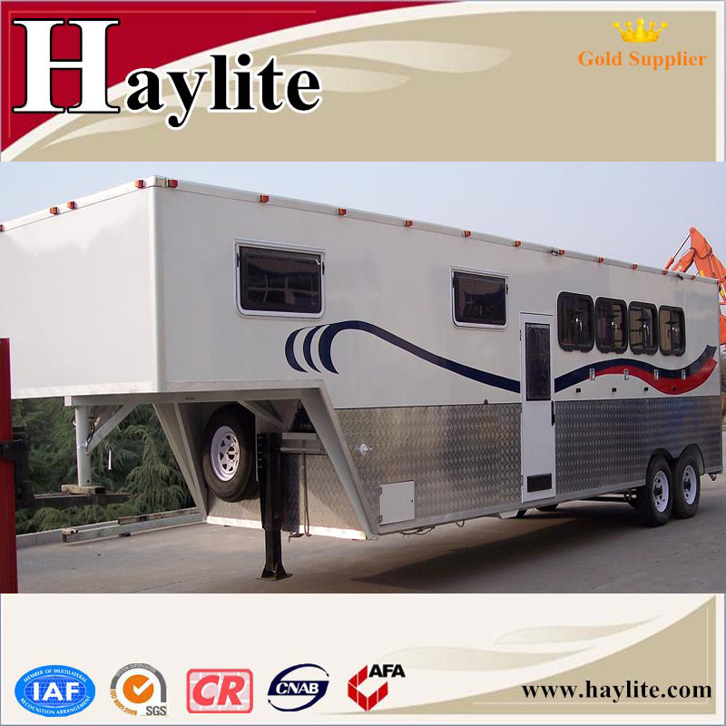 China Gooseneck Single 2 Horse Box Trailer with Ramp Door Windows Dividers Rubber Mats Living Quarters for Sale