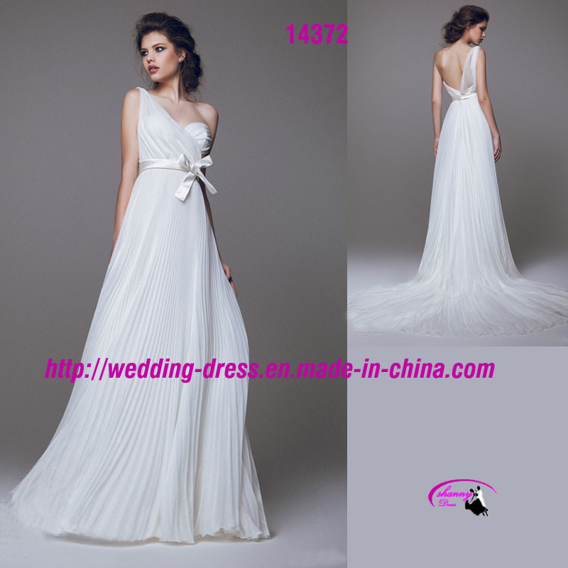 Graceful Pure Full Length Wedding Dress with One-Shoulder