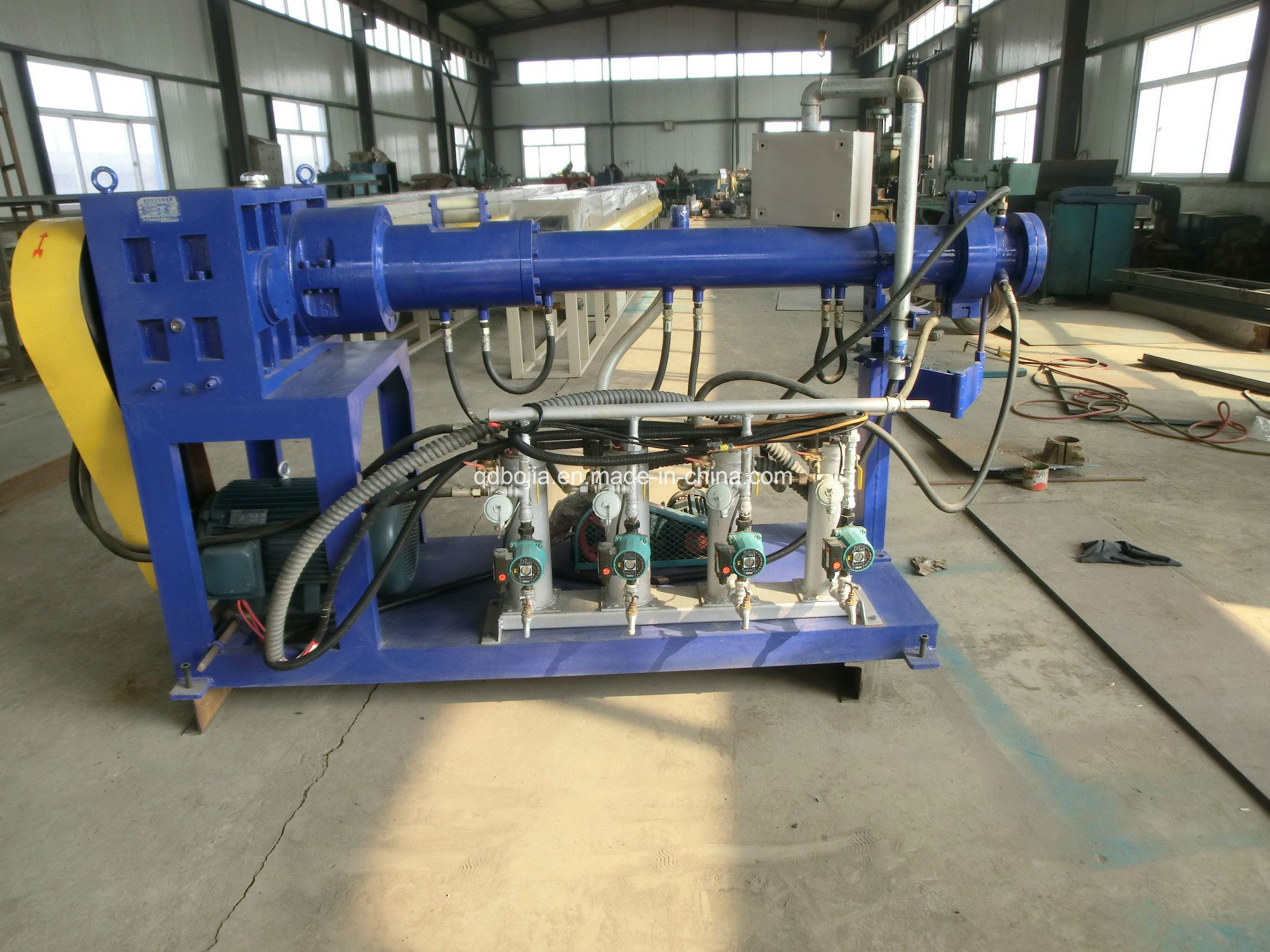 2017 New Automatic Feeding Rubber Extruder