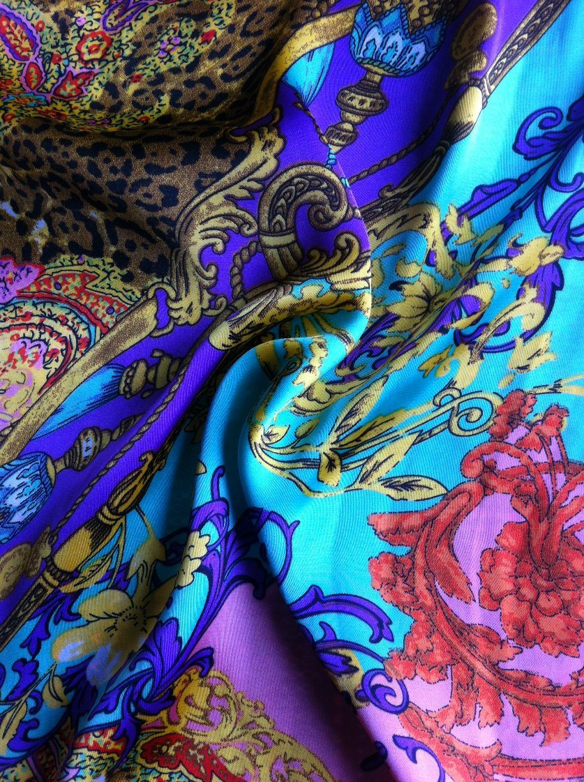 Beautiful Polyester Satin Chiffon Neck Scarf Fabric Breathable Crepe Fabric for Neck Scarf