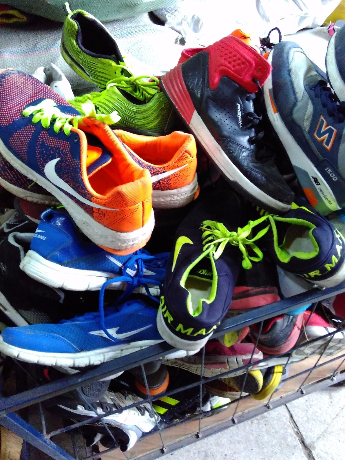 Used Shoes, Second Hand Shoes in Premium Grade AAA Quality with Brand Big Size Man Sports Used Shoes