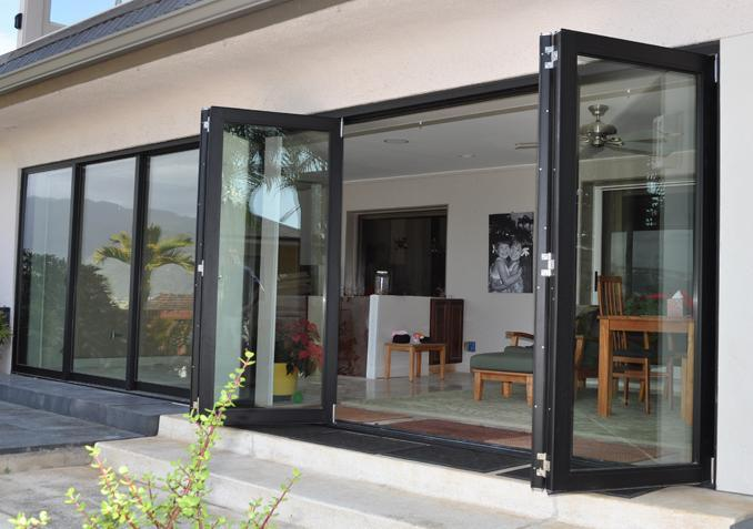 China Classical Aluminum Folding Door Internal Blinds Or