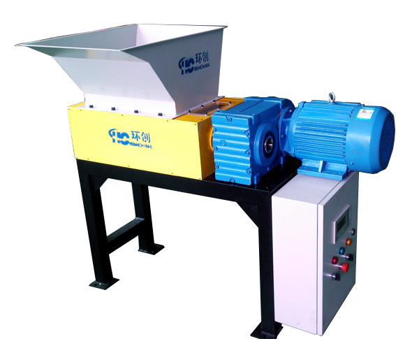 Mobile Wood and Carton Shredder