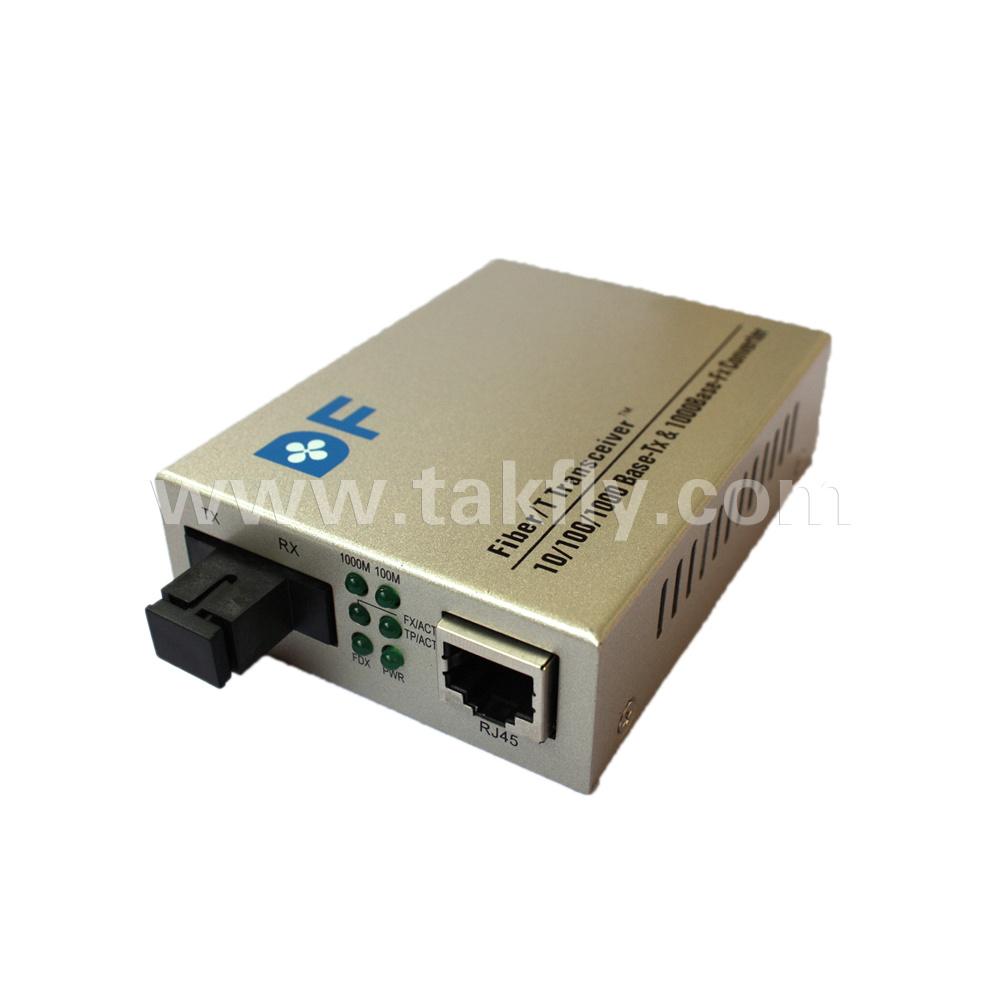 10/100m, 10/100/1000m Singlemode Singe Sc Fiber Media Converter