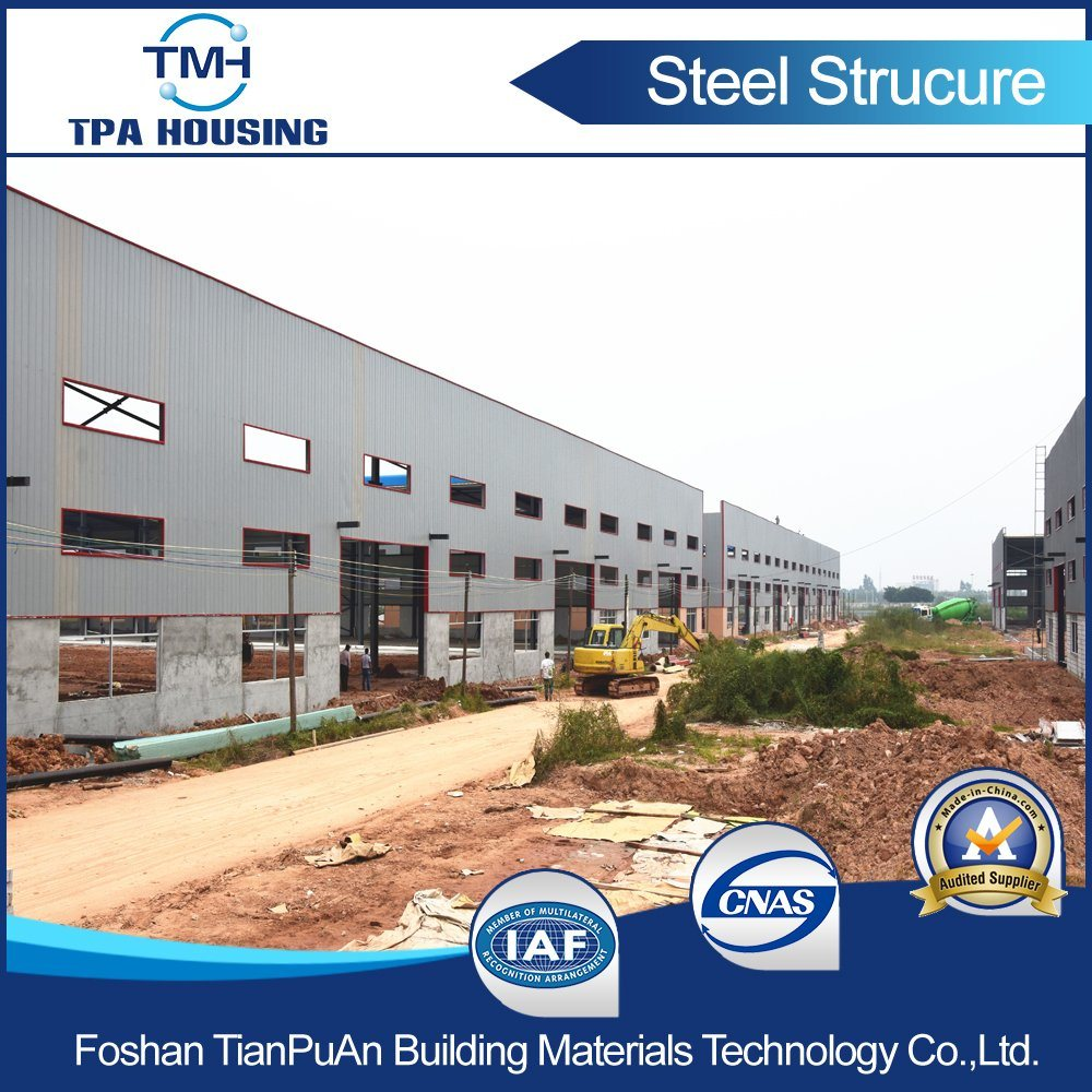 Prefabricated Steel Structure Frame Building at The Industrial Zone