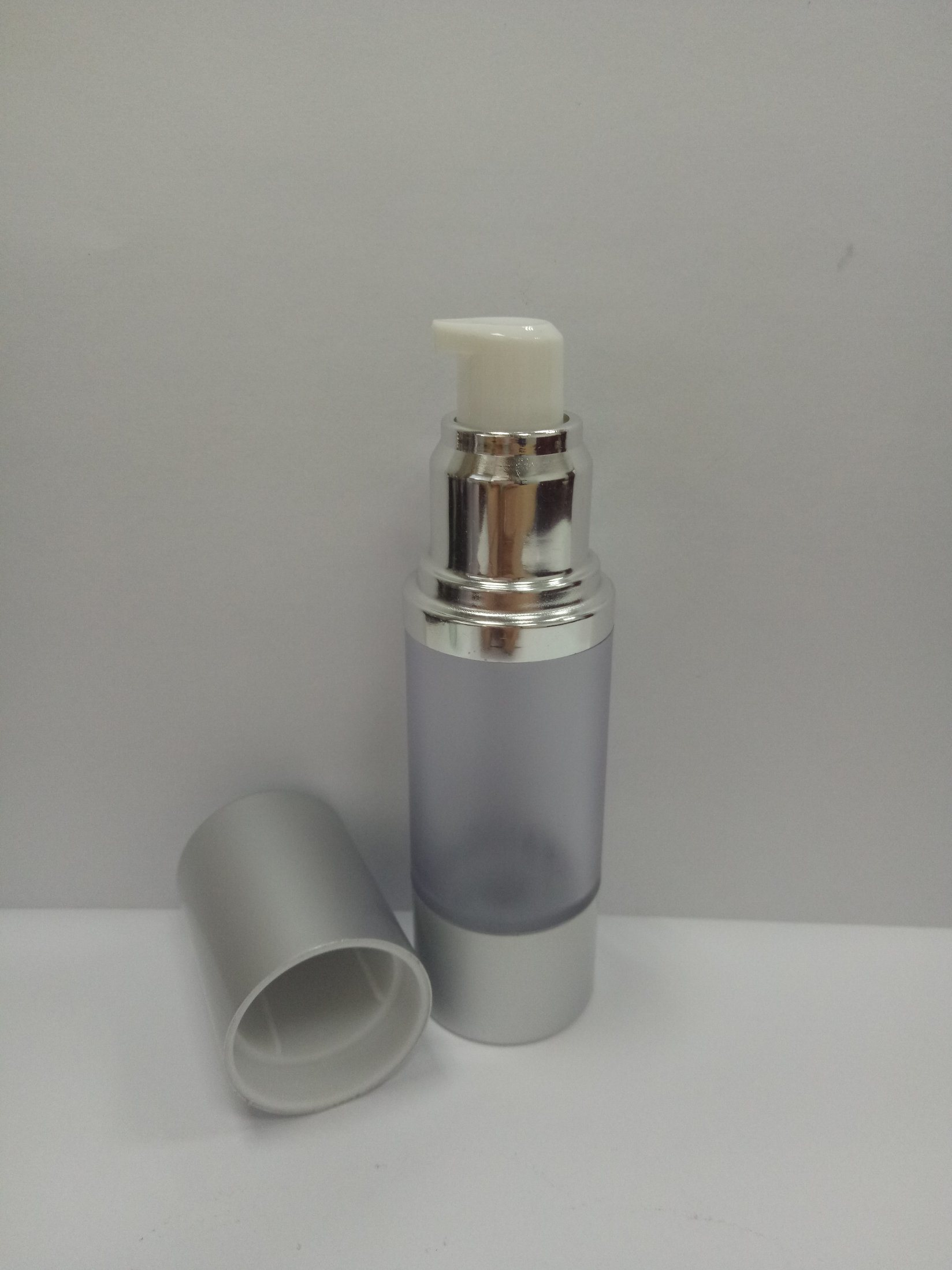 15ml Frosted Airless Lotion Bottle