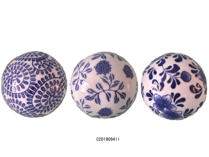 China porcelain blue white decorative ball d s