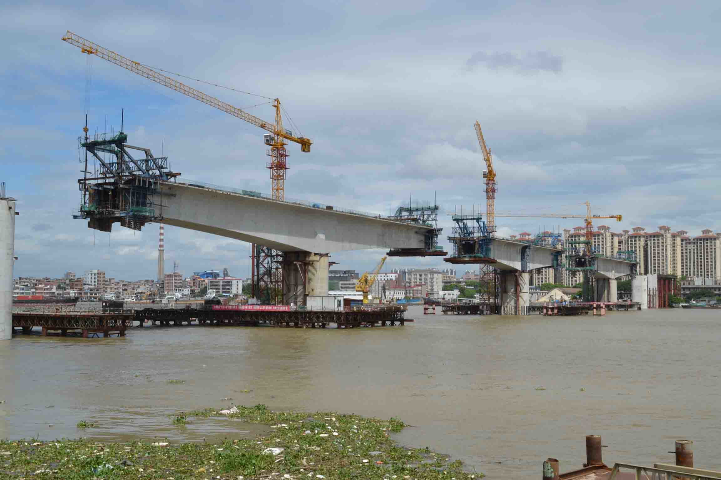 6t Qtz80 (TC6013B) and Maximum Height 210m Construction Crane