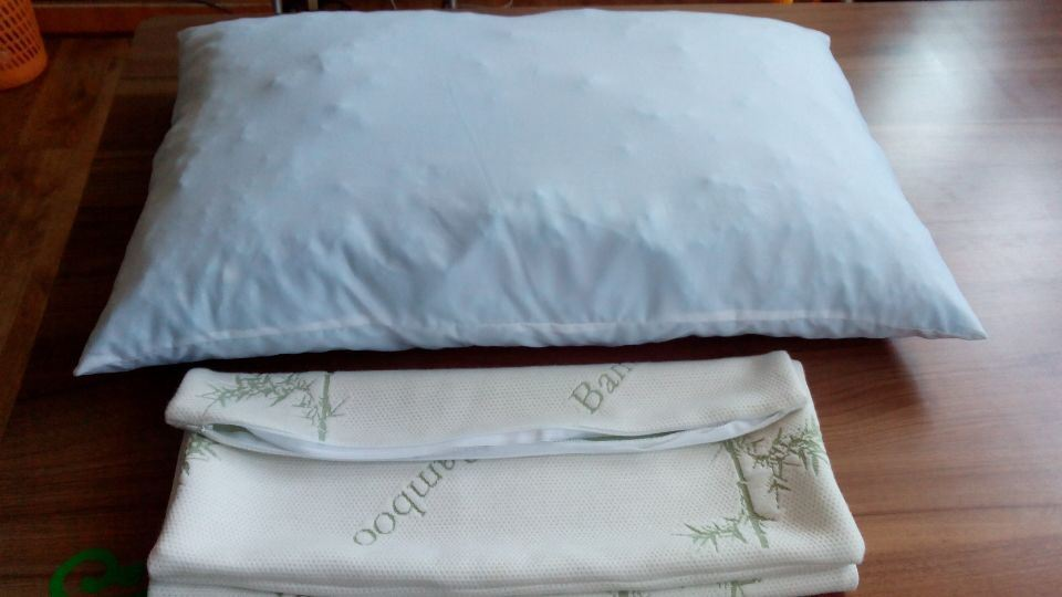 Shredded Memory Foam with Removable Bamboo Fiber Cover Pillow -Queen
