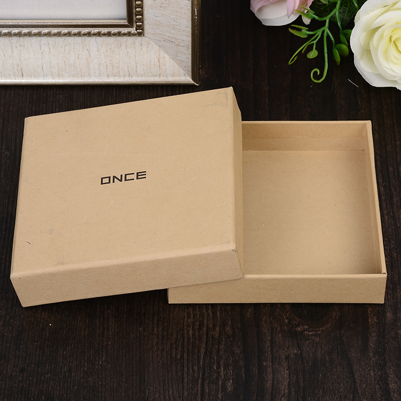 Customized Lovely Paper Gift Box for Packaging Silver Hot Stamping UV Logo