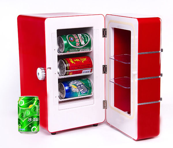 Thermoelectric Mini Fridge 16liter, DC12V with AC Adaptor for Beverage Showing