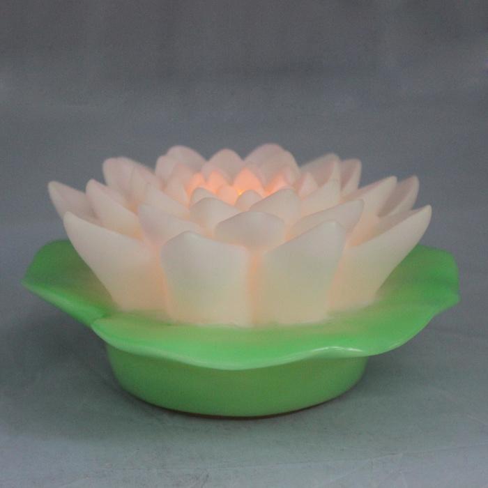 Beautiful Plastic Floating LED Lotus Flower Light for Outside