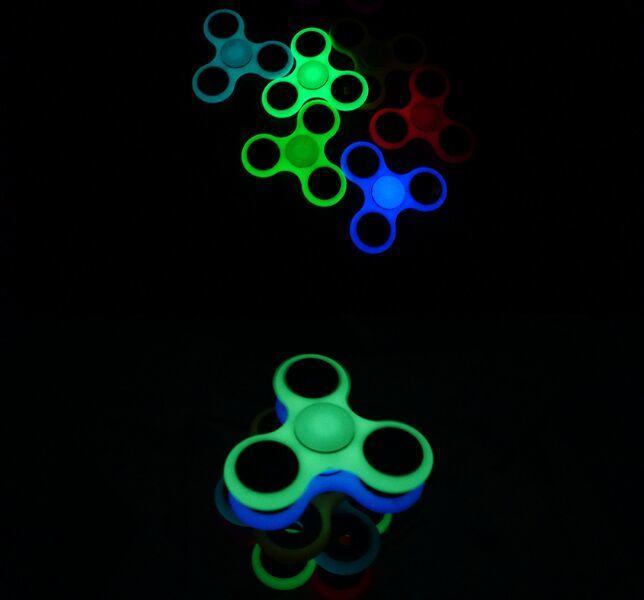 2017 The Popular Luminous Spinner/Finger Spinner