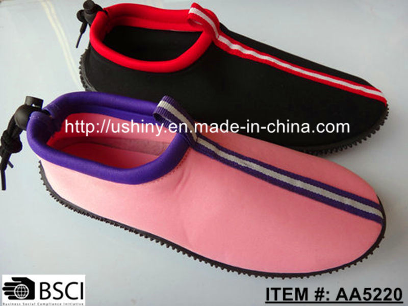 Injection Molding Aqua Water Shoes