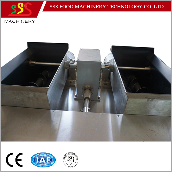 Automatic Stuffing Machine Encrusting Machine Pastry Pie Making Machine