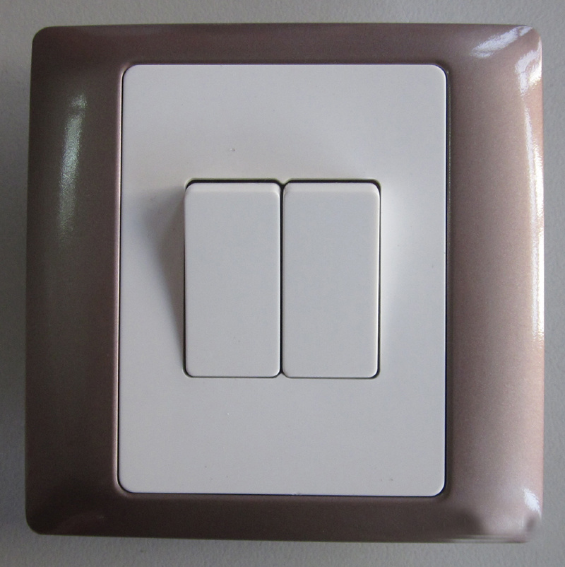 PC Material CE/Bs Certificated Color Frame Wall Switch