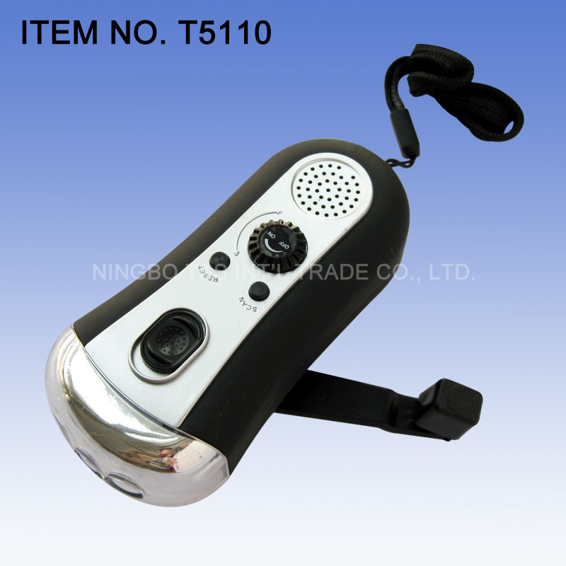 Dynamo Radio Flashlight (T5110)