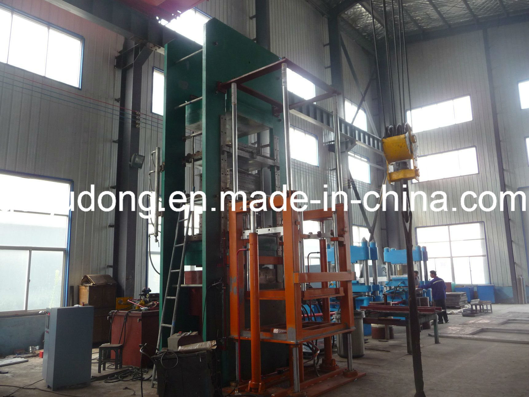 Solid Tyre Vulcanizing (curing) Press - Yadong