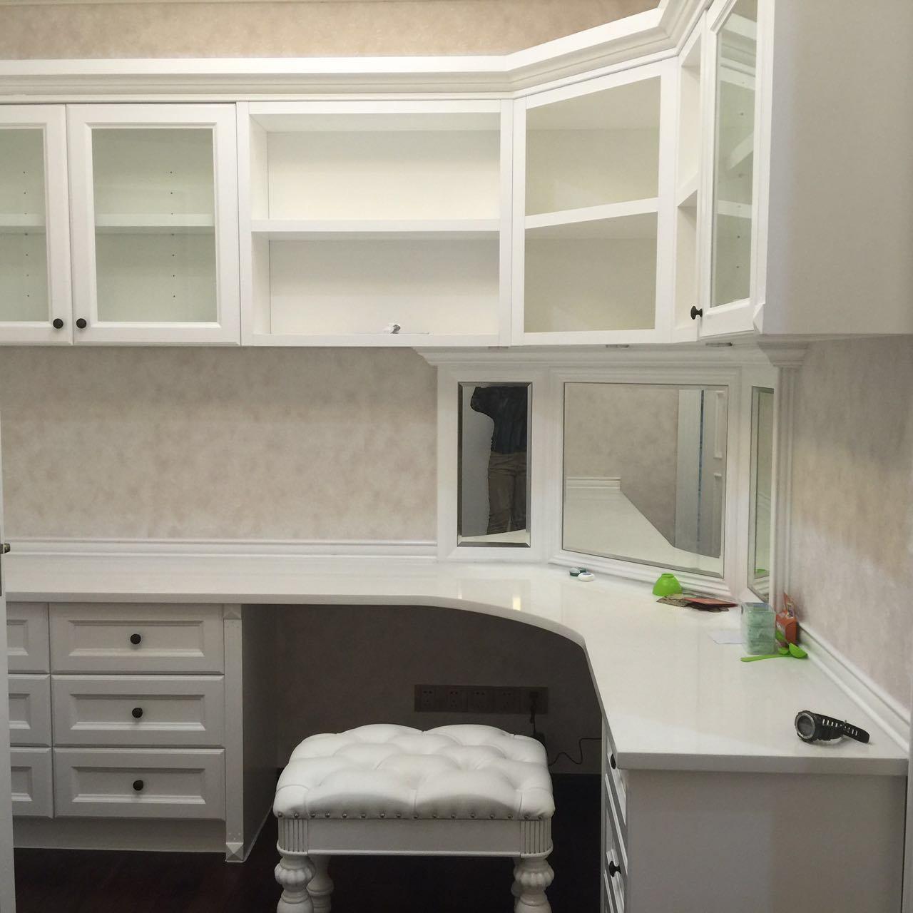 Maple Solid Wood Sliding Wardrobe Cabinets