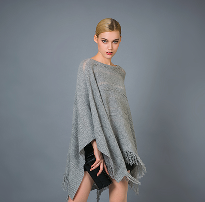 Lady′s Fashion Poncho