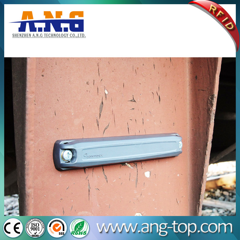 UHF RFID Label with Adhesive and Screw Hole on Metal