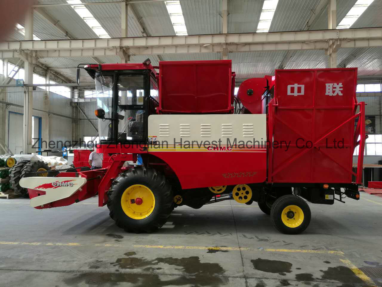 2500 mm Cutter Width Harvester for Peanut Collecting
