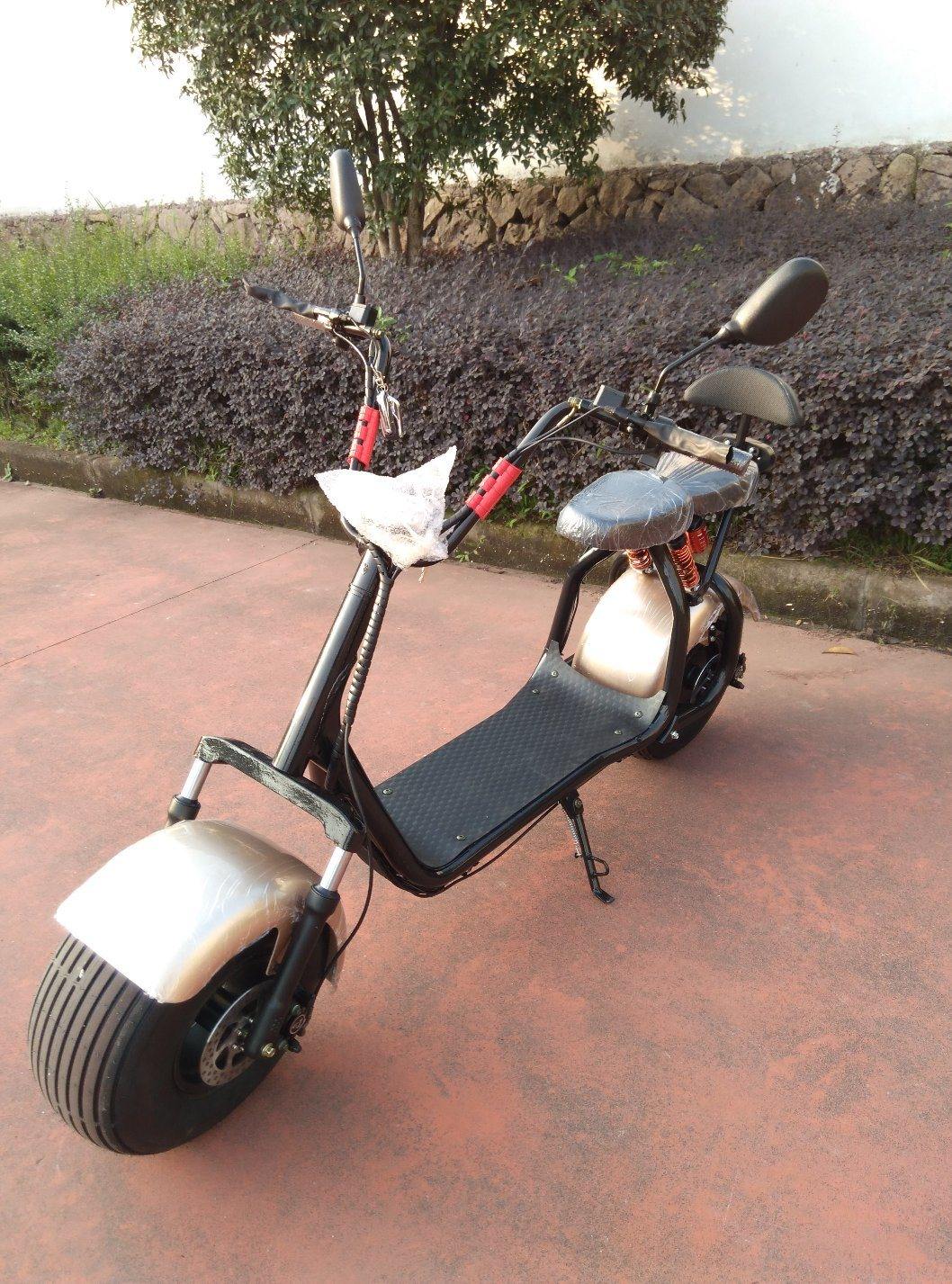 Harley Electric Scooter with 1000W, 60V/20ah Lithium, F/R Shocks