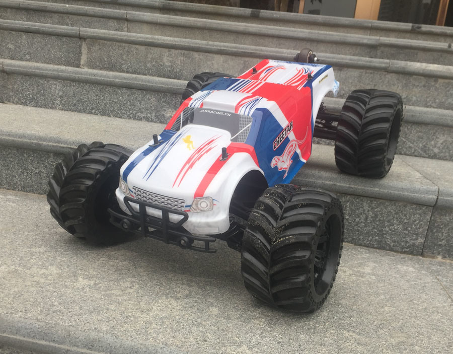 Violent RC Car - 1/10th Scale 4WD Battery Powered off-Road Buggy