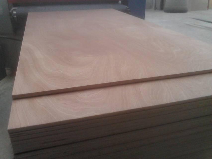 Competitive Price 15mm Okoume Face E2 Glue Combi Core Plywood