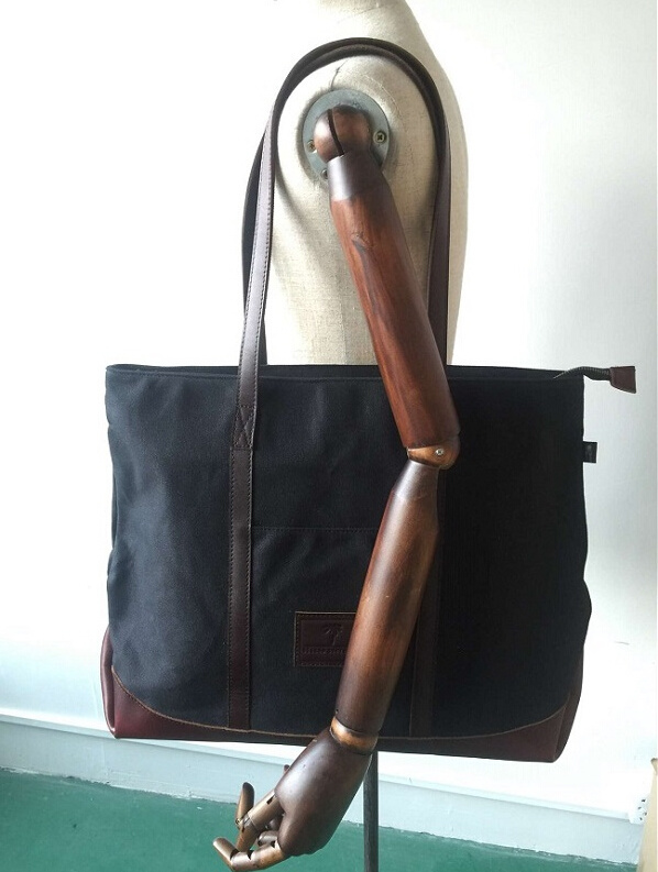 Customized high Quality Big Size Waxed Canvas Shouder Bag with Leather Straps