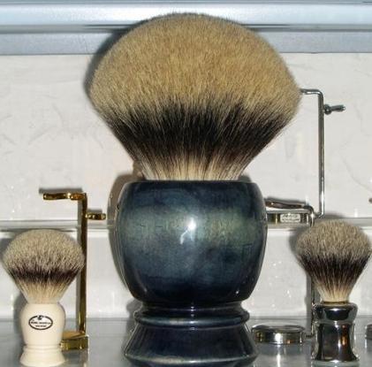 Pour ceux qui veulent un gros noeud A-Shaving-Brush