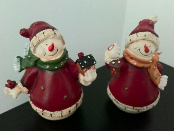 Polyresin Santa Claus Holding Candle Holder Christmas Gift