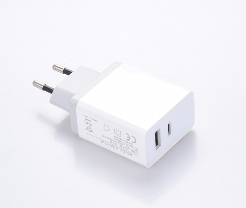 High Speed Type C+USB Travel Charger for Mobile Phone